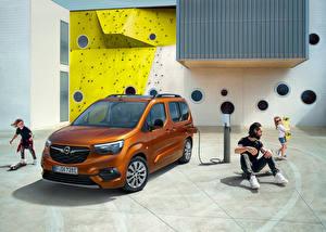 Фото Opel Фургон Коричневый Металлик Семья Combo-e Life, 2021 машины
