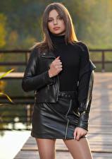 Картинки Поза Юбка Куртки Взгляд Aleksandra Białecka молодая женщина