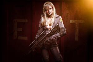 Фотография Снайперская винтовка Косплей Униформе Блондинок Декольте Взгляд молодая женщина