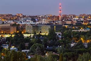 Картинки Испания Мадрид Здания Вечер Лучи света