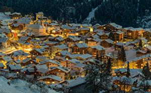 Картинки Швейцария Зимние Здания В ночи Крыше Снегу Сверху Canton of Grisons