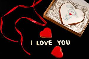 Картинки День святого Валентина Печенье На черном фоне Слова Английский Ленточка Дизайна Пища