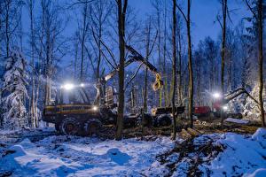 Обои для рабочего стола Зимние Леса Форвардер Вечер Снег Дерево Природа