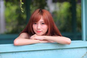 Картинка Азиаты Боке Рыжие Взгляд Руки Волосы Девушки