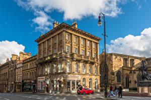 Обои Англия Дома Облака Улица Уличные фонари Newcastle Города картинки