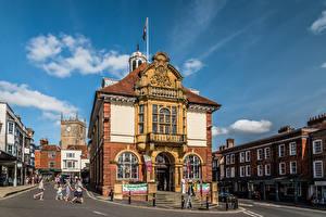 Картинки Англия Здания Люди Улиц Marlborough Города