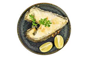 Картинки Рыба Лимоны Белым фоном Тарелке Пища