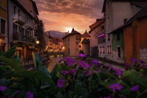 Фотография Франция Здания Вечер Водный канал Annecy
