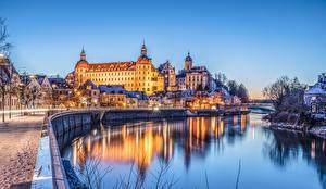 Картинка Германия Замок Речка Здания Набережная Бавария Neuburg Города