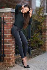 Обои Natalia Larioshina Модель Позирует Джинсы Рубашки Туфли молодые женщины