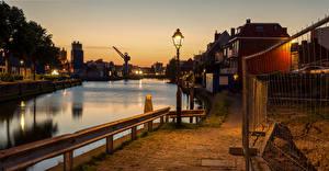 Картинки Нидерланды Вечер Водный канал Уличные фонари Набережной Maassluis