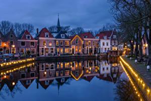 Картинка Нидерланды Дома Вечер Набережной Spaarndam Города