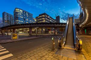 Картинка Нидерланды Дома Вечер The Hague Города