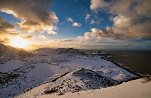 Фото Норвегия Лофотенские острова Побережье Горы Облачно Langøya Природа
