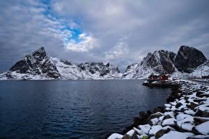Фото Норвегия Лофотенские острова Горы Берег Облака Hamnøy Природа