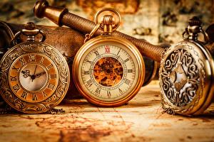 Обои для рабочего стола Карманные часы Циферблат Часы Крупным планом Три