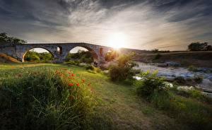 Картинка Рассвет и закат Маки Мосты Траве Ручей Природа