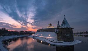 Фотографии Рассветы и закаты Река Россия Крепость Башни Pskov Krom, Pskov, Pskov region Города