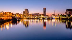 Обои Великобритания Вечер Река Мост Речные суда Дома Northern Ireland, Belfast город