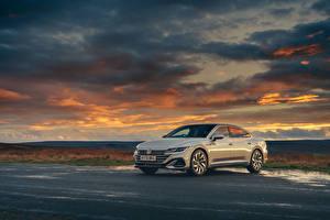 Фотографии Volkswagen Белый Металлик 2020 Arteon R-Line Автомобили