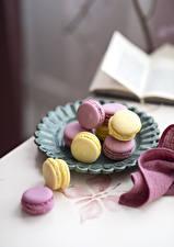 Фотографии Печенье Макарон Разноцветные Еда