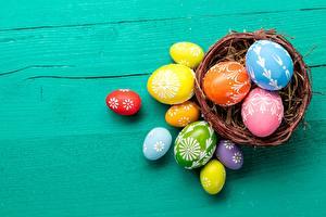 Фотографии Пасха Яйца Корзина Разноцветные Пища