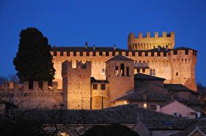 Картинки Крепость Италия Ночь Gradara, Pesaro and Urbino