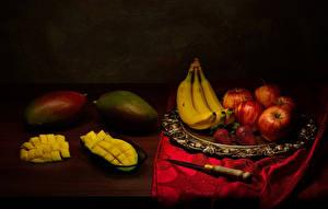 Обои Фрукты Бананы Авокадо Яблоки Клубника Нож Натюрморт