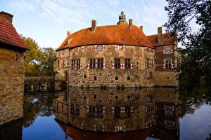 Картинки Германия Замок Пруд Мосты Vischering Castle