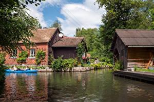 Картинки Германия Дома Лодки Деревня Водный канал village Lehde Города