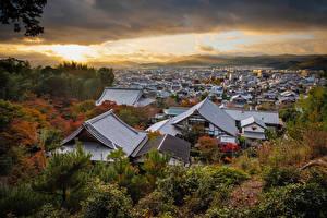 Обои Япония Киото Горы Здания Крыше Облака Города