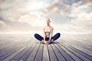 Фотография Поза лотоса Йога Отдых Сидящие Руки Ног Девушки