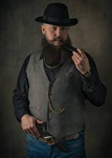 Обои для рабочего стола Мужчина Пистолеты Бородой Шляпа Ремень smoking pipe, vest