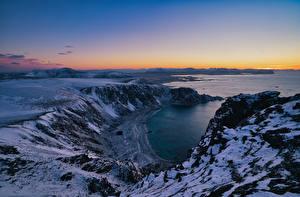 Картинка Норвегия Лофотенские острова Побережье Гора Сверху Природа