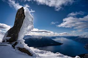 Картинка Норвегия Горы Облачно Снег Скала Фьорд Naustflot
