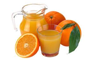 Картинки Апельсин Сок Стакане Кувшин Белый фон Продукты питания