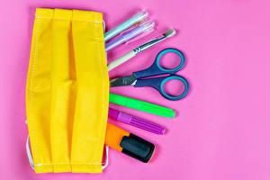Фотография Школьные Коронавирус Маски Ножницы Цветной фон Шариковая ручка Кисточки