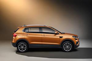 Фотографии Skoda Кроссовер Сбоку Металлик Kushaq, India 2021 машины