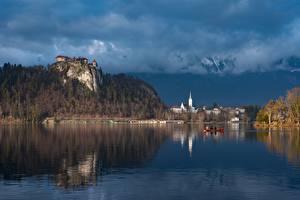 Фотография Словения Озеро Лодки Bled Castle