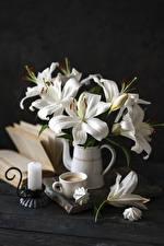 Картинка Натюрморт Лилии Свечи Кофе Зефир Капучино Доски Ваза Белая Чашка цветок Еда
