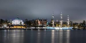 Картинки Швеция Стокгольм Дома Корабли Церковь Парусные Набережной Skeppsholmen, Carl Johan Church Города