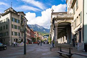 Фотография Швейцария Здания Фонтаны Улица Уличные фонари Скамья Sion, Valais Города