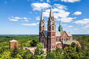 Картинка США Церковь Облака Деревьев Wisconsin, Erin Города