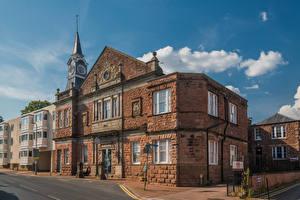 Фотографии Великобритания Дома Уэльс Улица Monmouth, Rolls Hall город