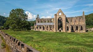 Фотографии Великобритания Развалины Уэльс Деревня Tintern Abbey Города