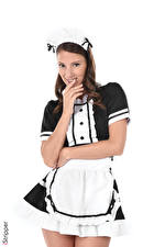Фотография iStripper Miluniel Louis Горничная Униформе Шатенки Смотрят Улыбка Белом фоне Рука молодые женщины