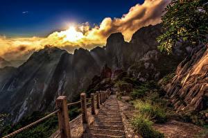 Обои Китай Горы Облака Лестница Скала Солнца Huangshan Природа