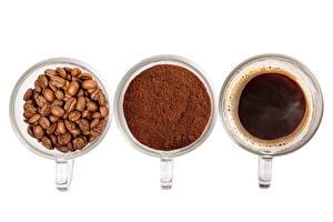 Обои для рабочего стола Кофе Белым фоном Чашка Три Зерна Порошке Продукты питания