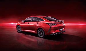 Фотографии Красный Металлик Китайская Красном фоне Dongfeng Aeolus Yixuan CTCC Edition, 2021 Автомобили