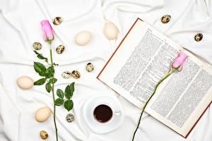 Обои Пасха Розы Кофе Розовый Двое Яйца Чашке Книга Еда Цветы